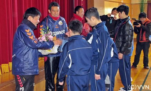 【地域貢献活動】長崎県立虹の原特別支援学校サッカー教室 実施報告(1/24) サムネイル