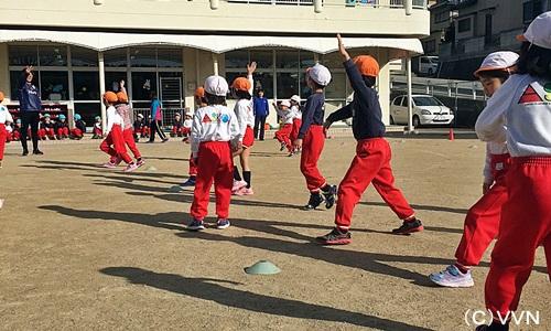 【KIDS巡回】長崎県サッカー協会とV・ファーレン長崎による協働事業(1/16) サムネイル