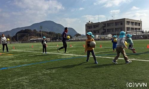 【KIDS巡回】長崎県サッカー協会とV・ファーレン長崎による協働事業(2/21) サムネイル